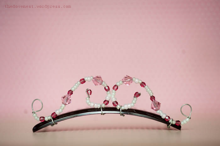 beaded-crystal-tiara-DIY