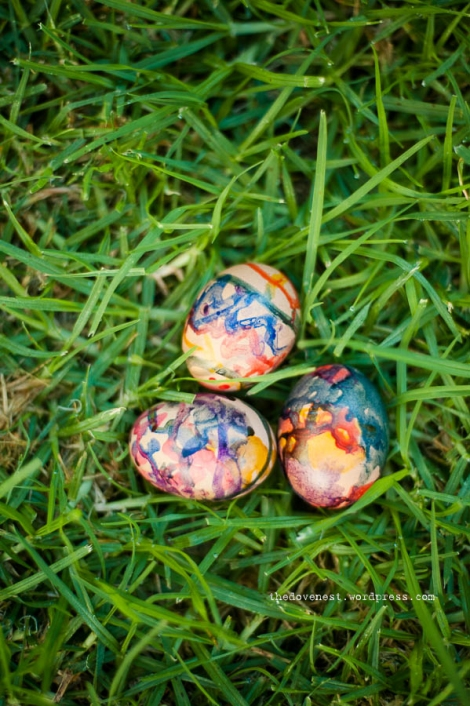 Easter egg decorating with drawing ink